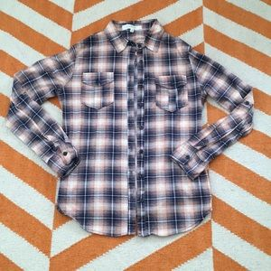 💕Free with purchasr💕 Pink plaid shirt